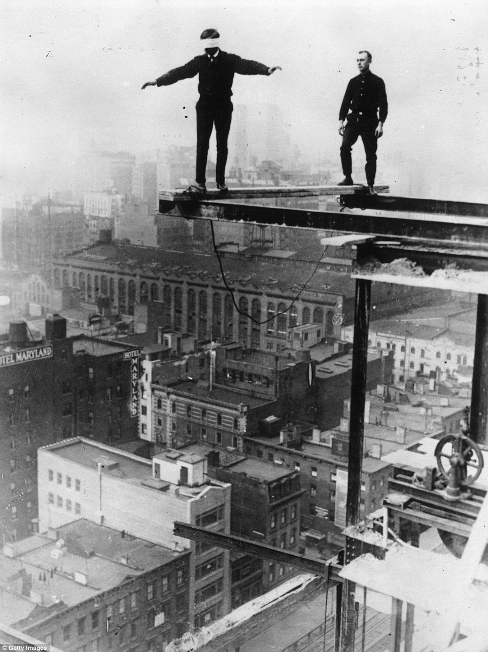 TRESTLES - 20 STORIES IN THE AIR, 1925